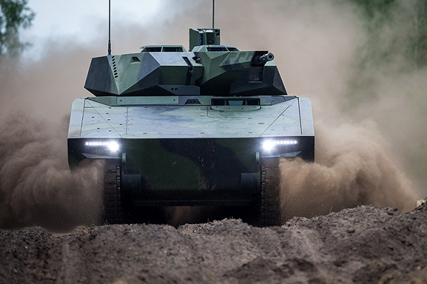 Rheinmetall demonstrates its Lynx KF41 tracked armored IFV during NATO exercise in Hungary