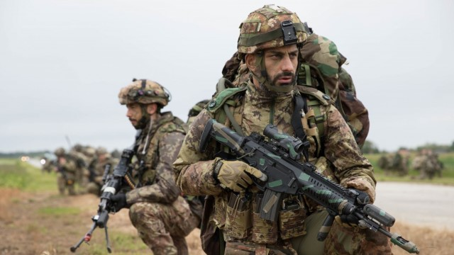Italian Beretta ARX160 assault rifle seen in Russian commandos service