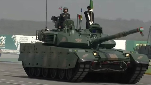 First public appearance of Chinese VT4 tank during military parade in Pakistan